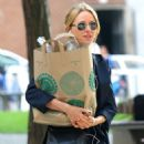 Naomi Watts – Shopping at Whole Foods in New York - 454 x 669