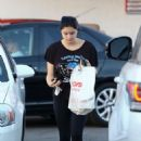 Ariel Winter – Shopping at CVS Pharmacy in Studio City - 454 x 681