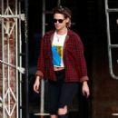 Kristen Stewart in Casual out in LA - 454 x 681