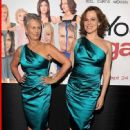 Jamie and Sigourney wearing the same dress at,