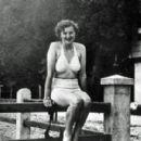 Eva Braun - 300 x 280