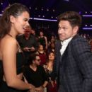 Niall Horan and Hailee Steinfeld - 454 x 302
