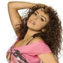 Layla - 412 x 390