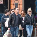 Anna Faris and Michael Barrett – Christmas shopping in Los Angeles