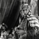 Rudolph Valentino - The Son of the Sheik - 454 x 552