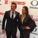 Billy Rovzar and Claudia Alvarez- Premios TVyNovelas 2018 - 454 x 601