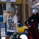 Vanessa Hudgens & Ashley Tisdale: Breakfast Besties