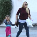 Busy Philipps and her daughter Birdie running errands in Los Angeles, California on December 14, 2013 - 440 x 594