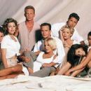 Brian Austin Green, Jason Priestley, Jennie Garth, Luke Perry, Tiffani Thiessen, Tori Spelling, Ian Ziering, Kathleen Robertson and Jamie Walters in Beverly Hills, 90210 (Season Six) (1996) - 450 x 334