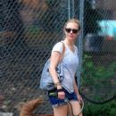 Amanda Seyfried: Walking Finn in Los Angeles