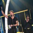 2017 CMT Music Awards - Show - 454 x 302