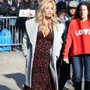 Denise Richards – Arrives at Good Morning America in New York City - 454 x 671