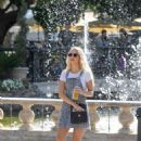 Lottie Moss – Shopping candids at The Grove in LA With Emily Blackwell - 454 x 612