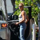 Kelly Rohrbach – lLaving Fred Segal in West Hollywood - 454 x 684