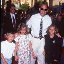 Kevin Costner, Annie Costner, Joe Costner, Lily Costner - 454 x 629