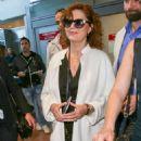 Susan Sarandon Arriving at Airport in Nice - 454 x 681