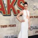 Madeline Zima – Showtime's 'Twin Peaks' Premiere in Los Angeles - 454 x 659