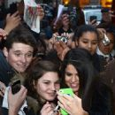 Selena Gomez meets fans outside the hotel Bristol in Paris, France Februaury 17, 2013 - 454 x 726