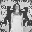 Kim Basinger - 277 x 500