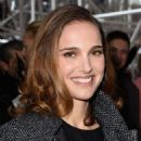 Natalie Portman Christian Dior Fashion Show In Paris