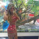 Letícia Santiago - 454 x 455