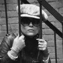 Faye Dunaway - 337 x 500