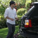 Haylie Duff And Her Boyfriend Nick Zano At Her House In The Valley, 2008-04-16 - 454 x 573