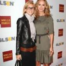 Chely Wright and Lauren Blitzer - 454 x 698
