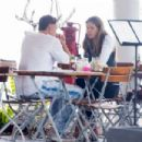 Elle Macpherson – Out for lunch in Miami - 454 x 302