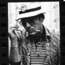 Gonzo: The Life and Work of Dr. Hunter S. Thompson (2008) - 302 x 400