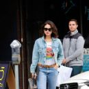 Eiza Gonzalez – Out for lunch in Studio City