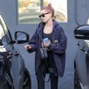 Hailey Baldwin – Arrives at the gym in Los Angeles