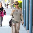 Pregnant Elsa Pataky Out For Lunch With A Friend