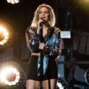 Kelsea Ballerini – Performs at 'Meaning of Life' Tour in Oakland - 454 x 303