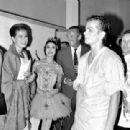 Grace Kelly and David Niven - 342 x 310