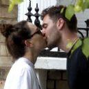 Daisy Ridley kiss with her boyfriend Tom Bateman in London - 454 x 375