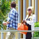 Report: Jessica Simpson Puts Wedding on Hold