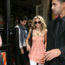AnnaLynne McCord 2009-09-08 - has lunch at Juniors Cheesecake Factory
