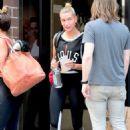 Hailey Baldwin – Leaving the gym in NYC - 454 x 677