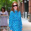 Julianne Moore – Arrives at Kelly And Ryan show in New York City - 454 x 559
