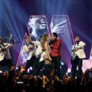 Jennifer Lopez and Smokey Robinson : 61st Annual Grammy Awards Show - 454 x 303