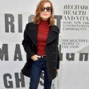 Isabelle Huppert – Christian Dior Fashion Show 2018 in Paris - 454 x 681