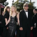 Michelle Pfeiffer and David Kelley, Arrivals, 59 Emmy Awards, 2007-09-16