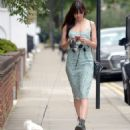 Daisy Lowe – Spotted while out walking her dog in London - 454 x 545