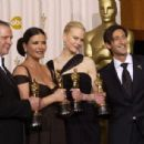 Chris Cooper, Catherine Zeta-Jones, Nicole Kidman and Adrien Brody At The 75th Annual Academy Awards (2003) - Press Room - 454 x 306