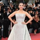 Aishwarya Rai Bachchan : 'Sink Or Swim (Le Grand Bain)' Red Carpet  - The 71st Annual Cannes Film Festival - 388 x 600