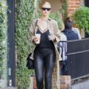 Rosie Huntington Whiteley – On a Coffee Run in West Hollywood