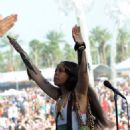Erykah Badu's Truncated Coachella Performance - 454 x 726