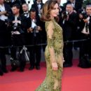 Elsa Zylberstein – 'Okja' Premiere at 70th annual Cannes Film Festival - 454 x 681