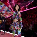 Liu Wen – 2018 Victoria's Secret Fashion Show Runway in NY - 454 x 682